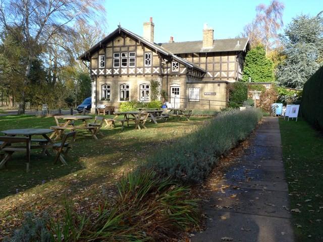 Swiss Cottage, Sandy - geograph.org.uk - 1596332