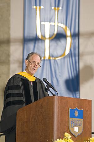 English: Sen. Ted Kaufman addresses engineerin...