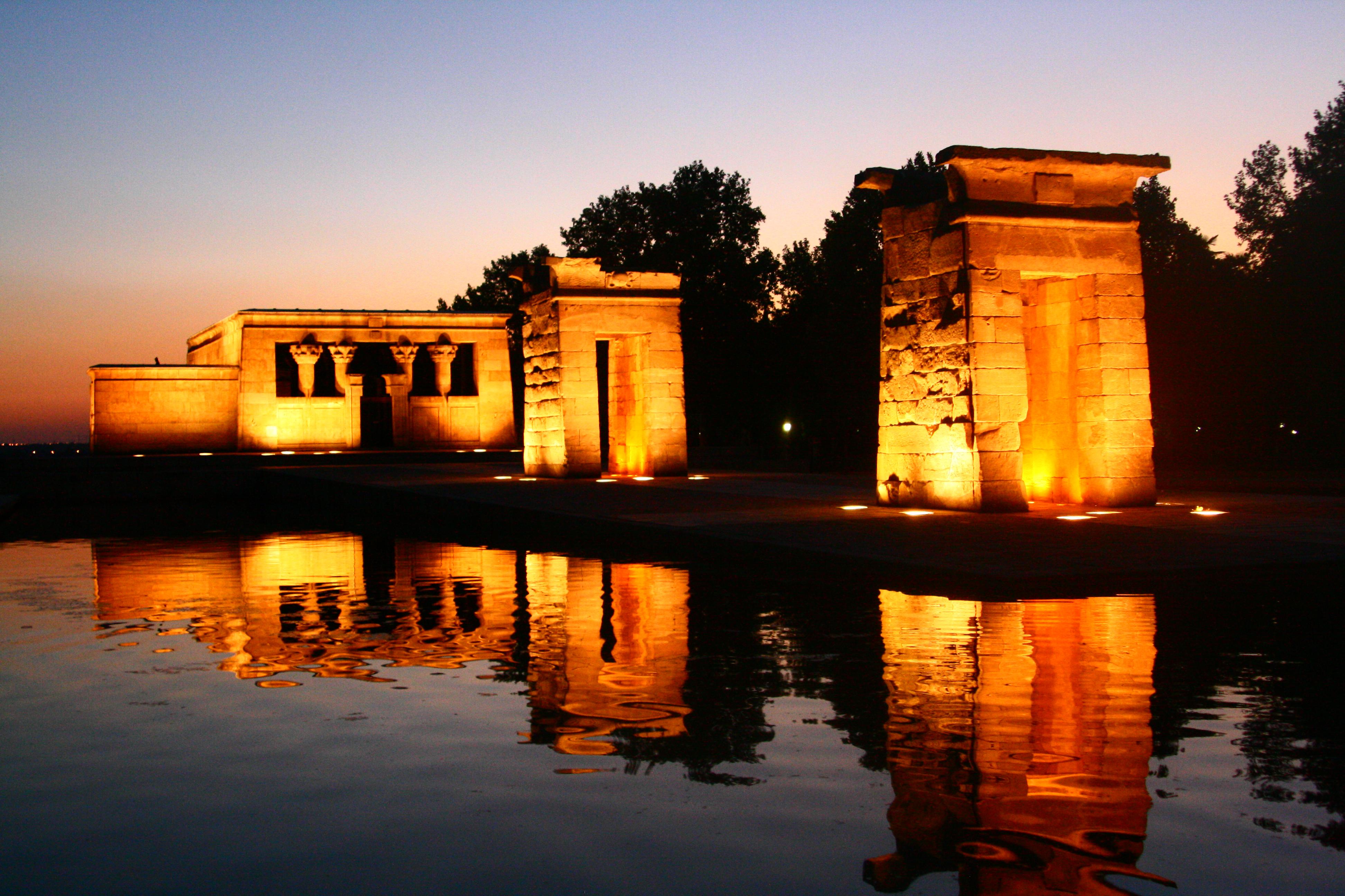 File:Templo de Debod (Madrid) 19.jpg - Wikimedia Commons