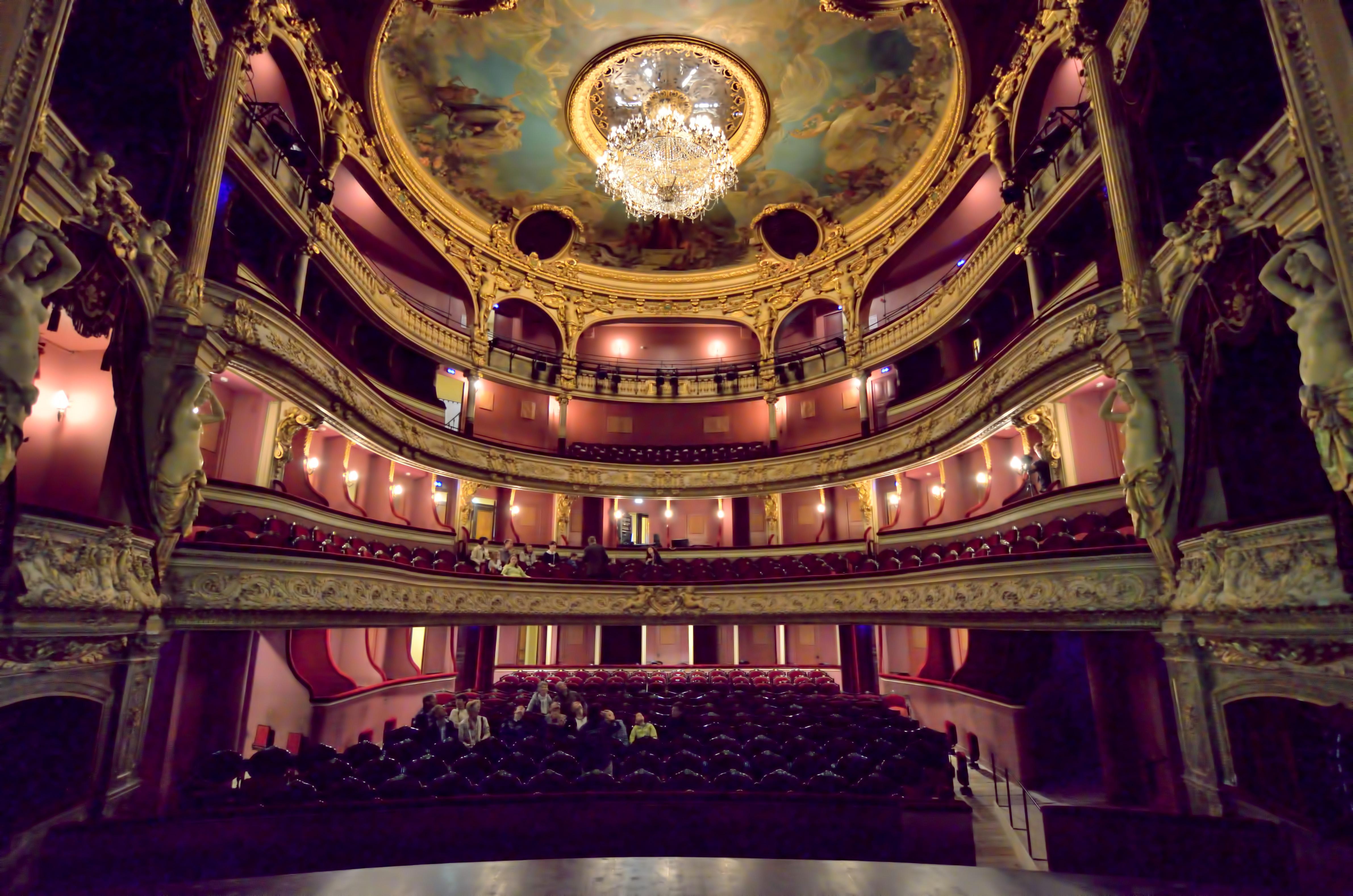 salle theatre a l'italienne