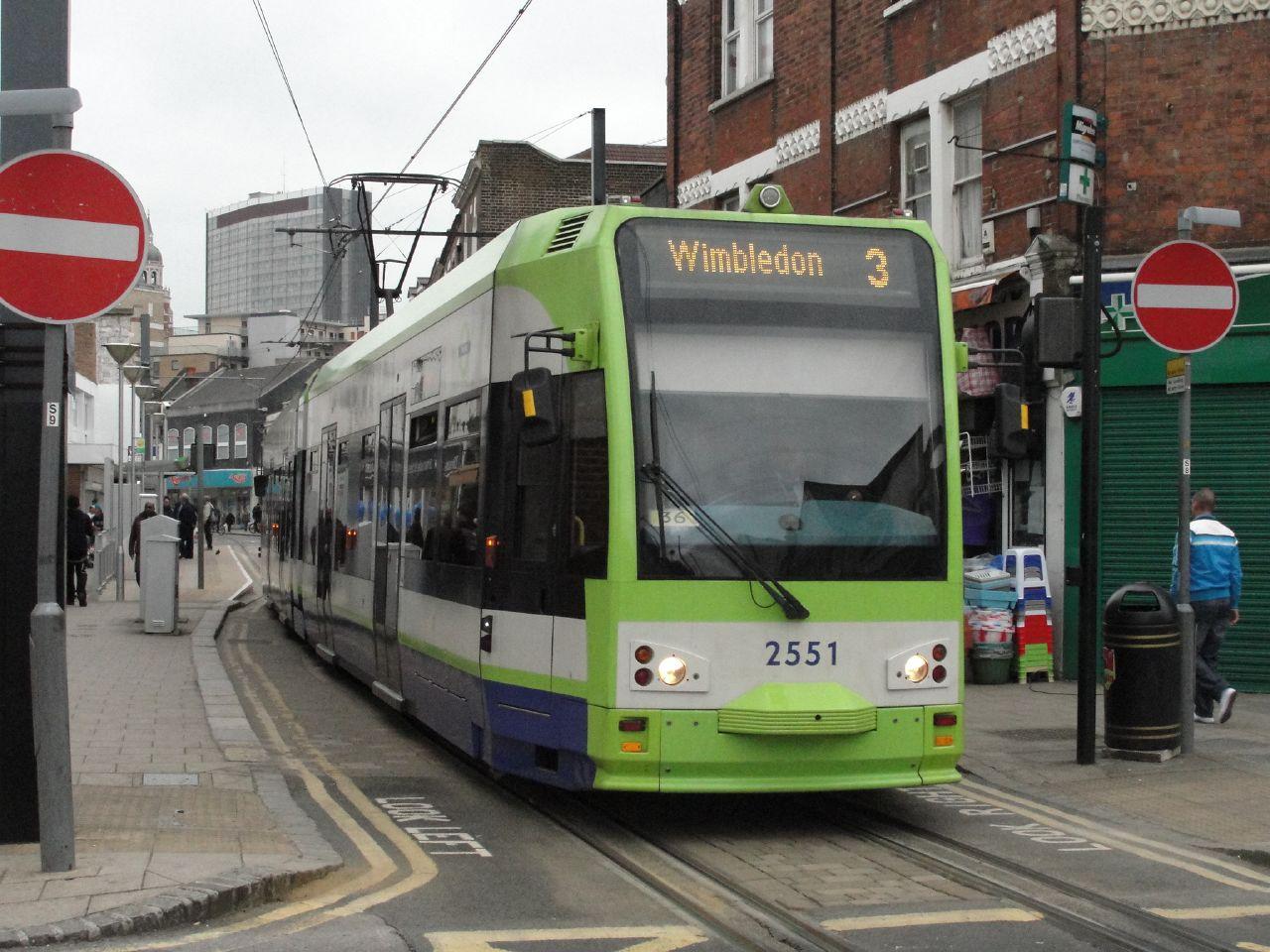 File:Tramlink tram 2551.jpg