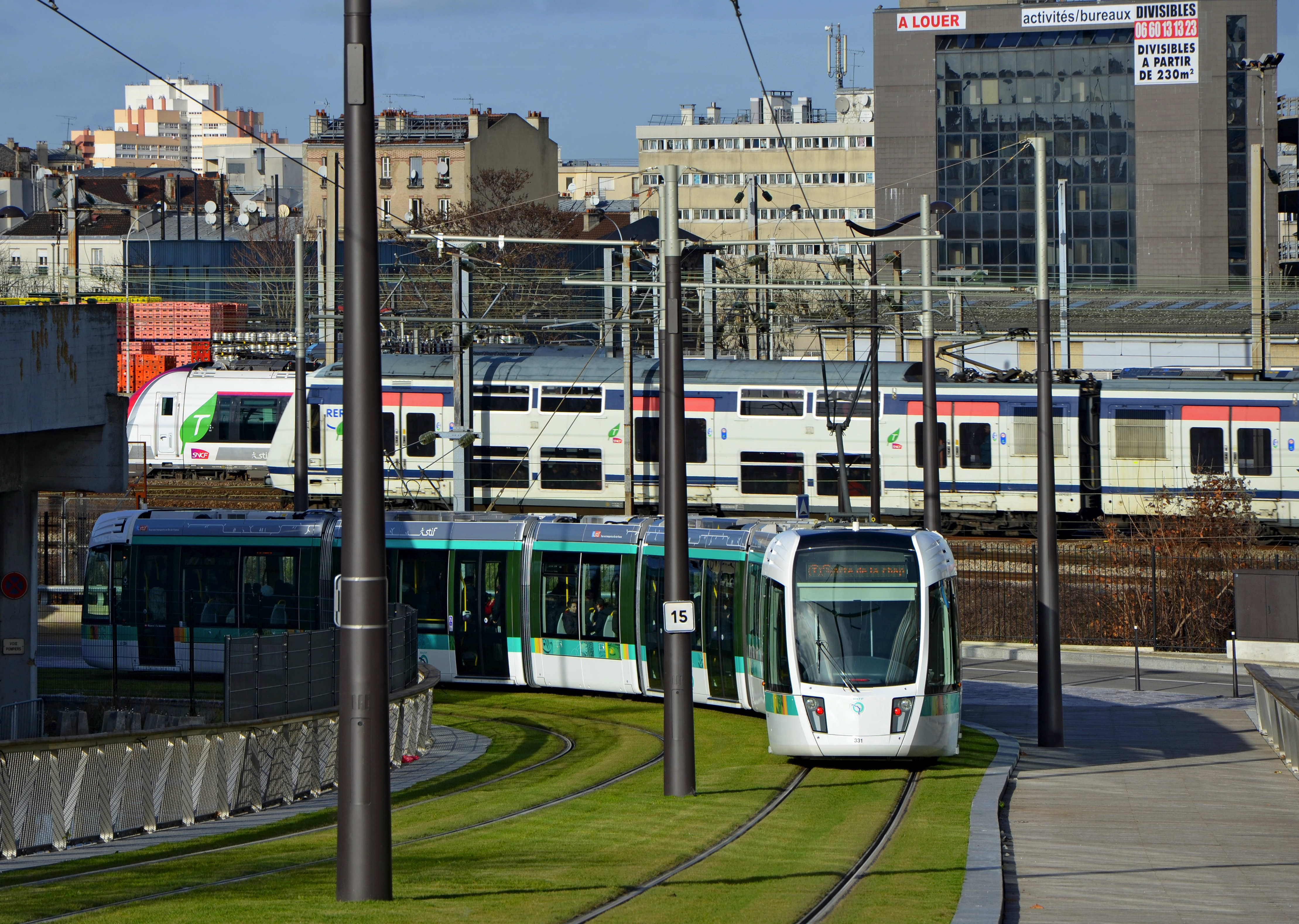 22500 File Tramway Line T3b In Paris Near Canal De L Ourcq Dsc