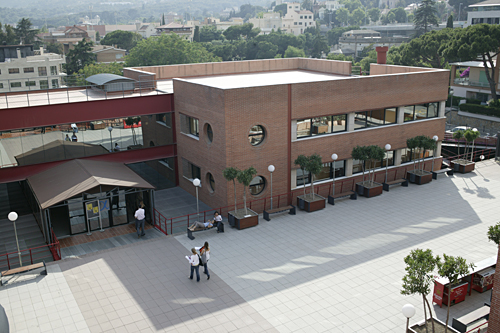 Universidad internacional de catalu a wikipedia la for Universidad de moda barcelona