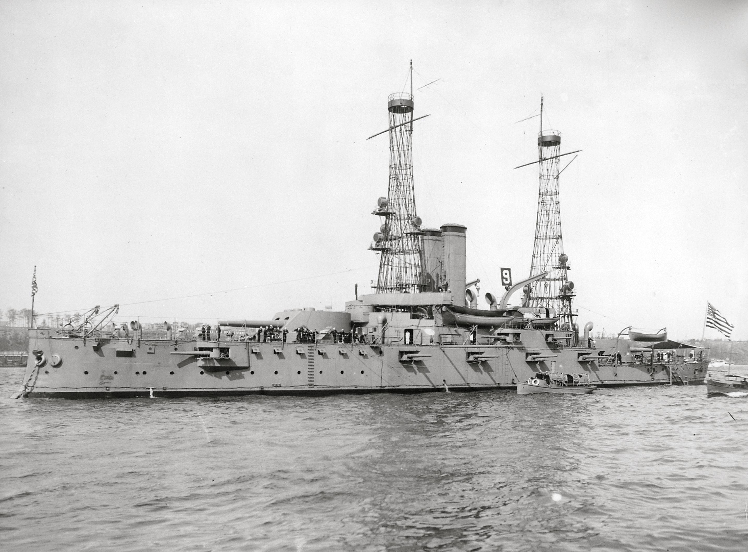 USS_Alabama_%28BB-8%29_1912.jpg