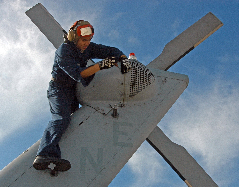 File Us Navy 060302 N 2832l 017 Storekeeper Seaman Eric