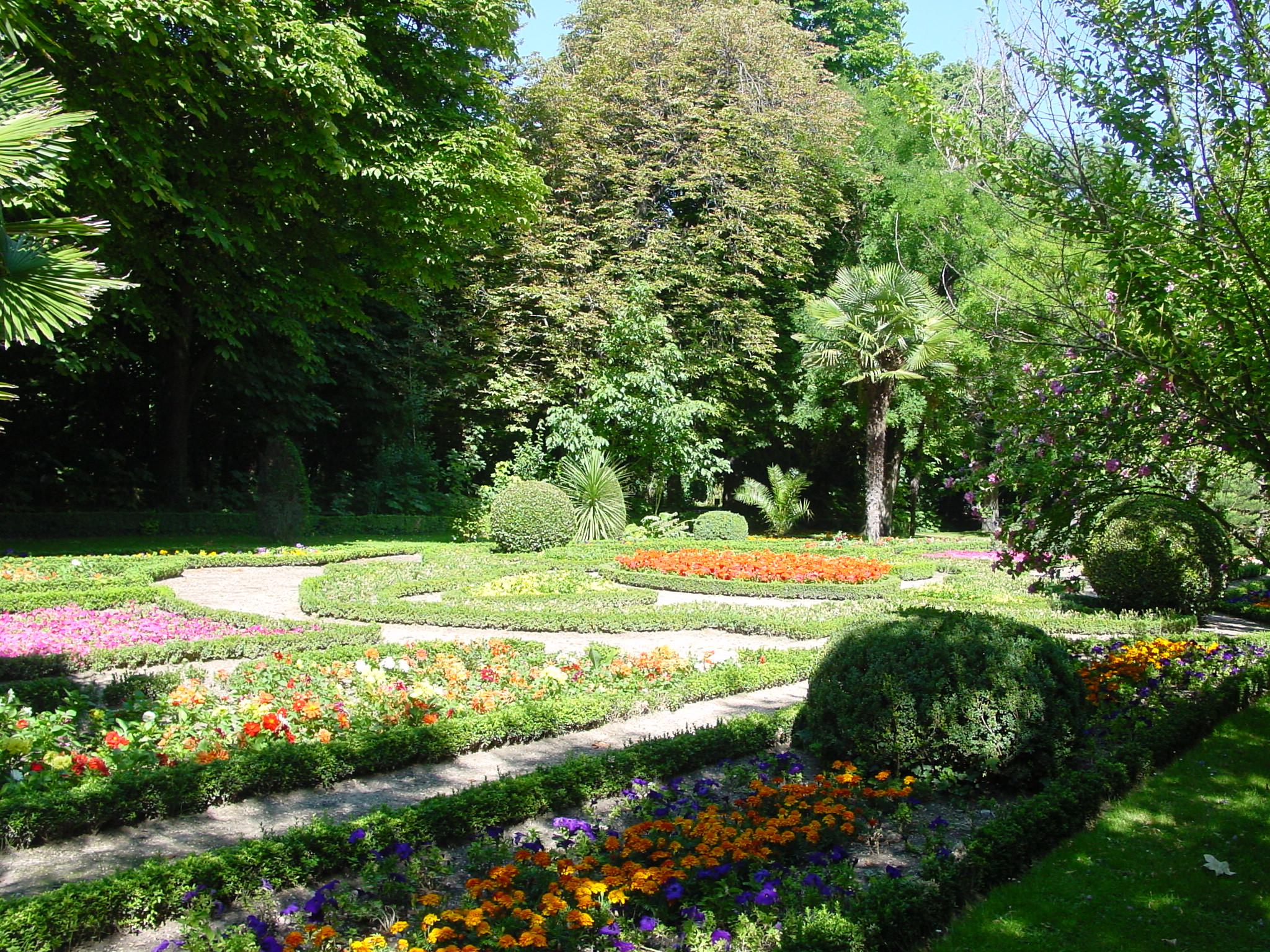 Archivo valladolid campo grande jardines lou jpg for Jardines de campo