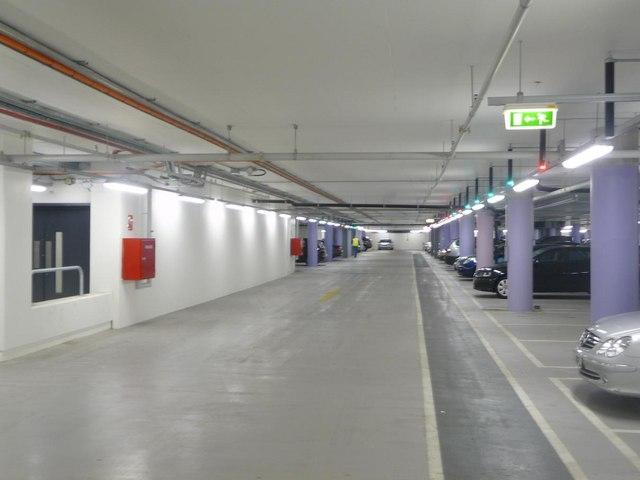 file westfield shopping centre car park aisle b 15. Black Bedroom Furniture Sets. Home Design Ideas