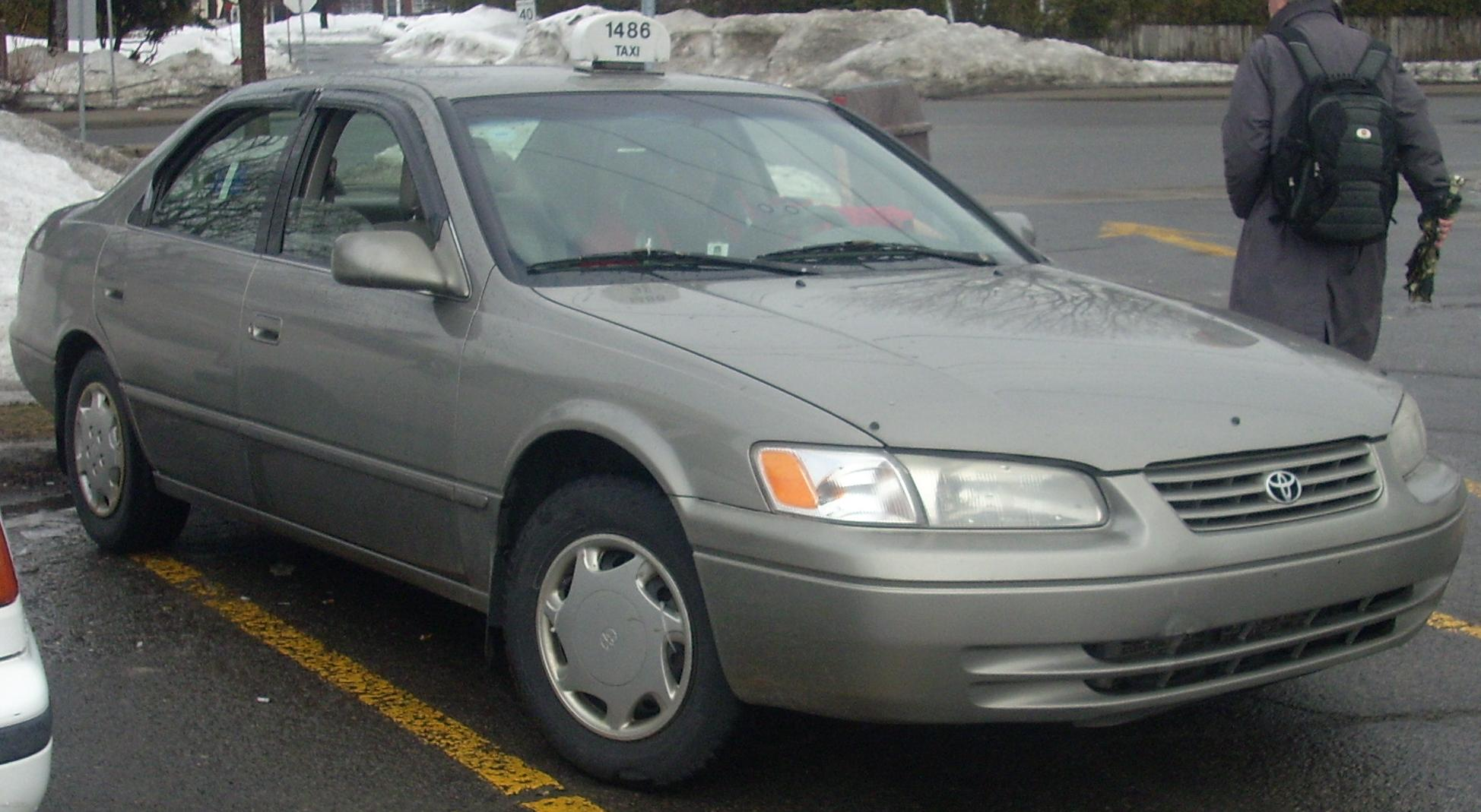 File 97 99 Toyota Camry Taxi Jpg Wikimedia Commons