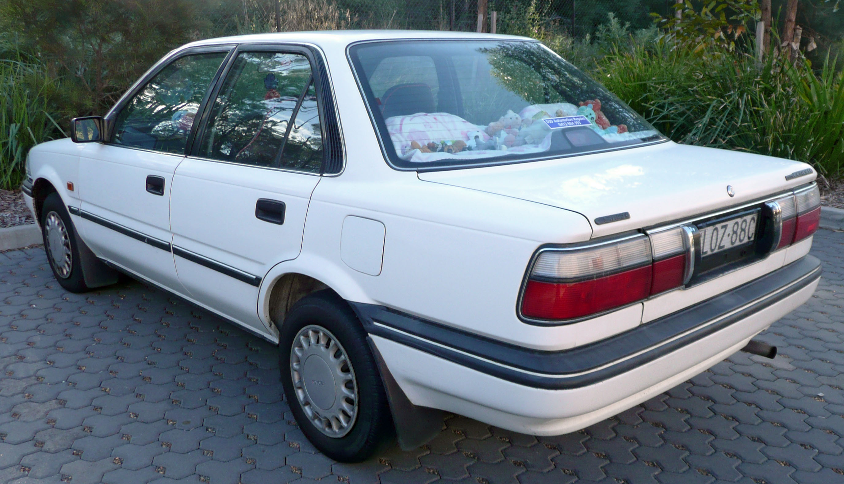 File:1991-1992 Toyota Corolla (AE94) CSi sedan (2009-08-29 ...