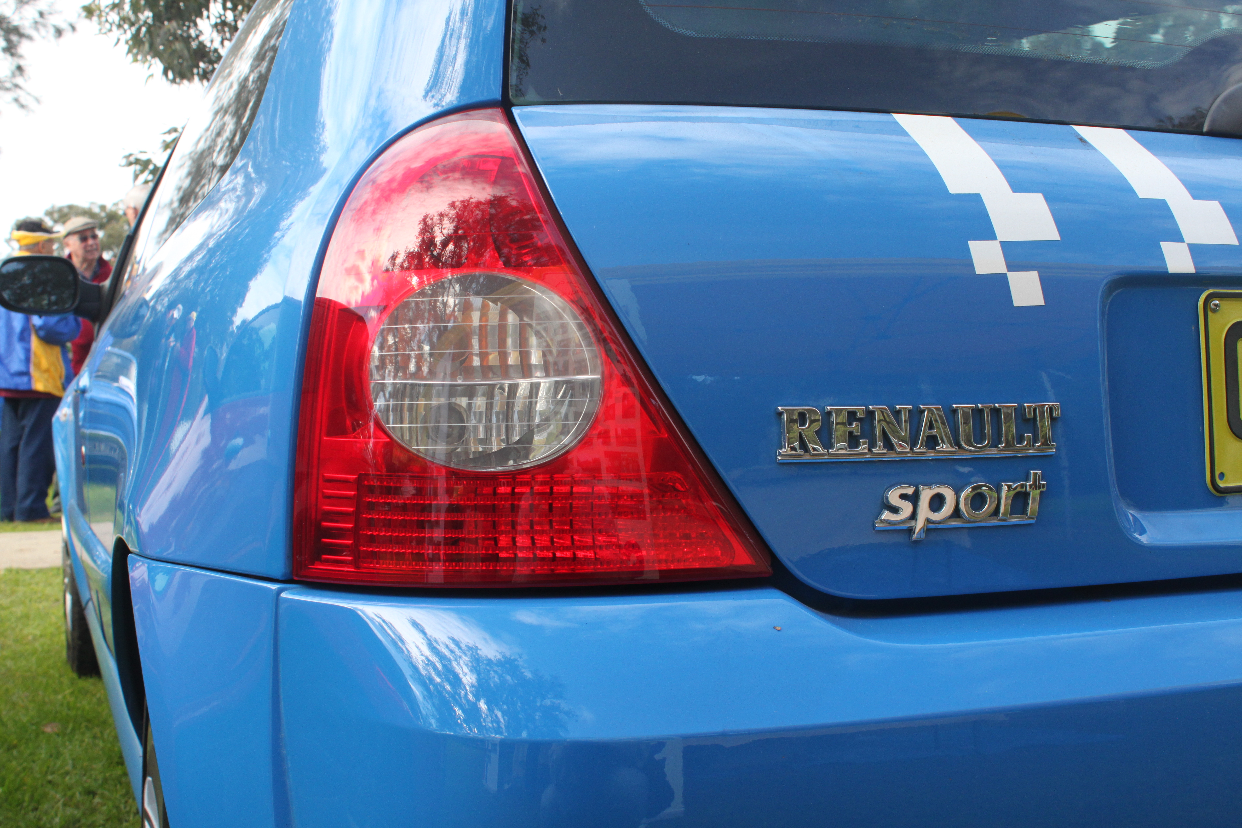 File 2005 2006 Renault Sport Clio X65 Phase 3 182 Cup F1 3 Door Hatchback 19938037175 Jpg Wikimedia Commons