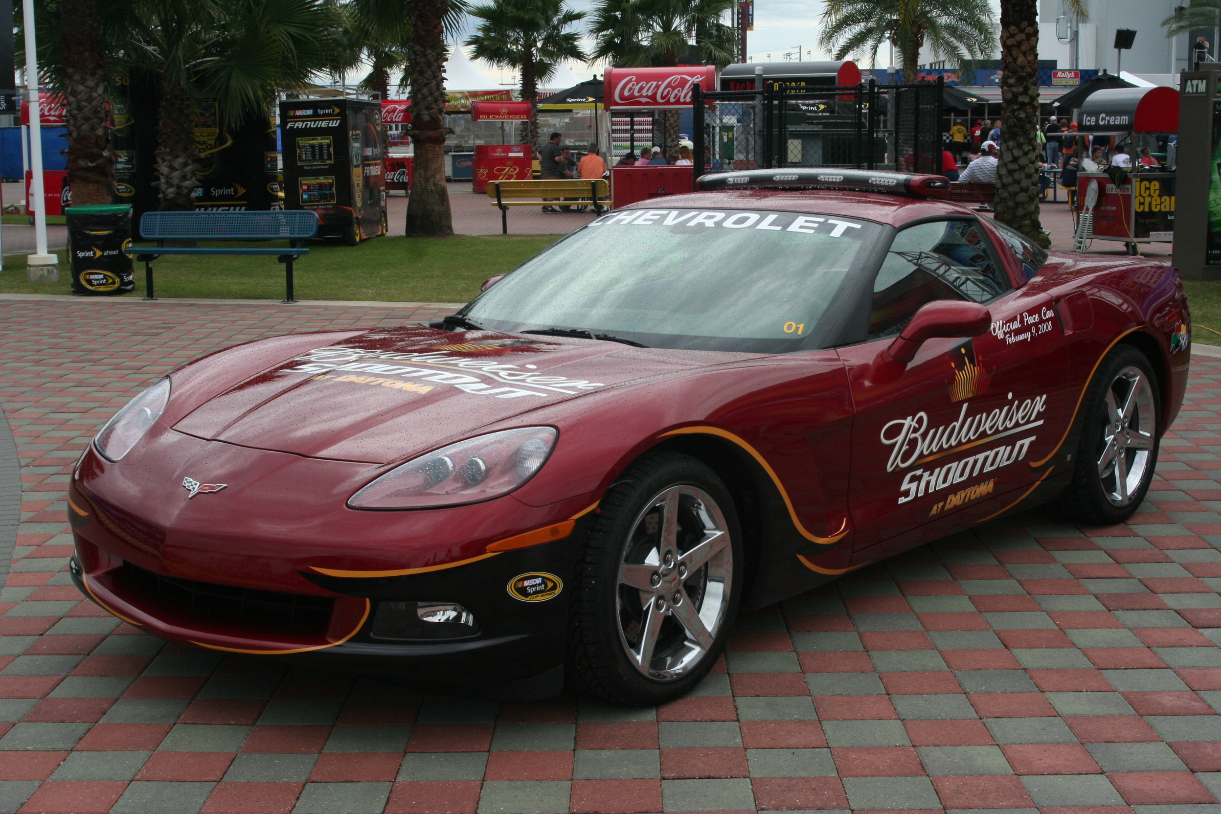 File:2008 BUDWEISER SHOOTOUT Chevy Corvette Pace Car.jpg - Wikipedia ...