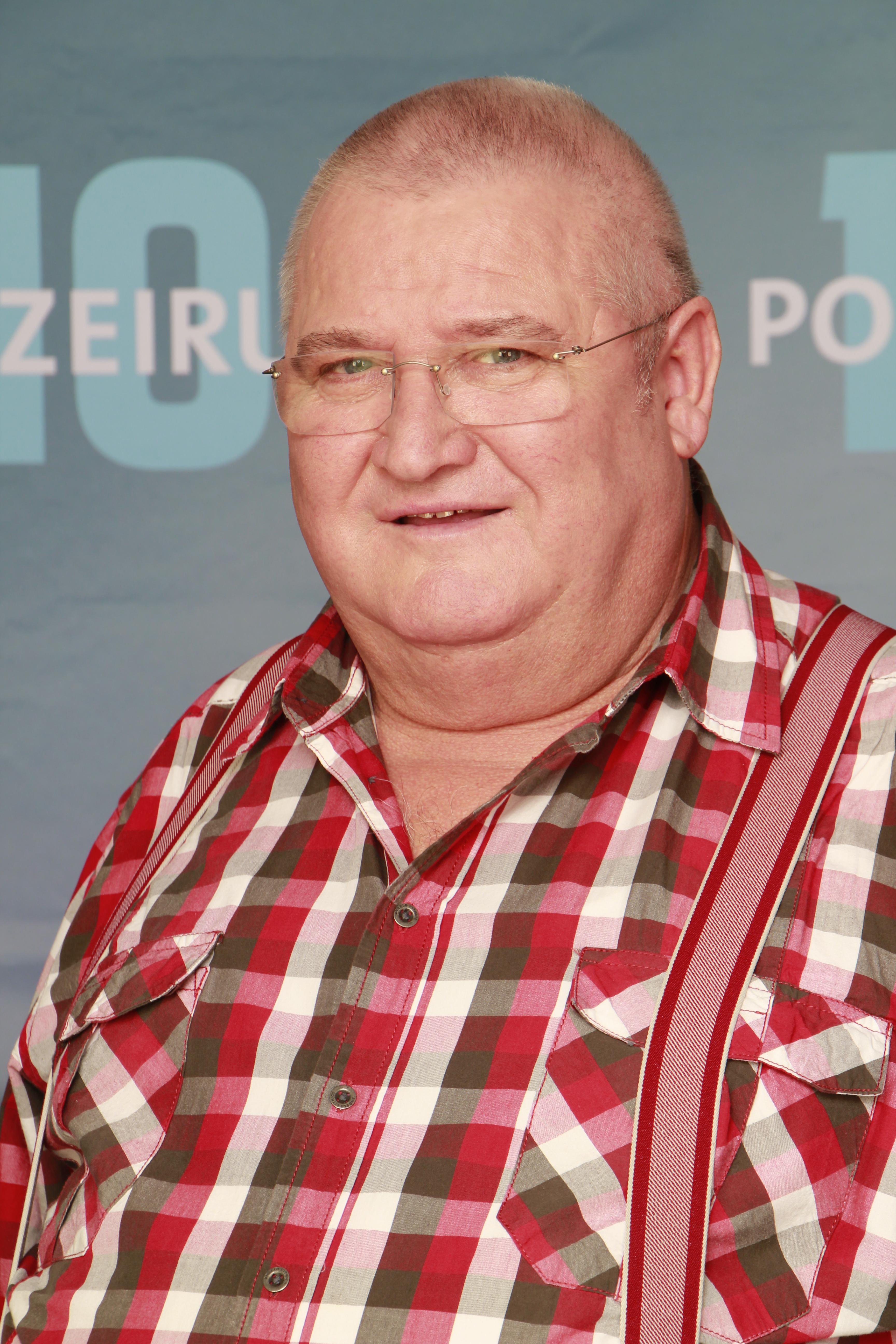 Simon der woran starb schauspieler günther Autor und