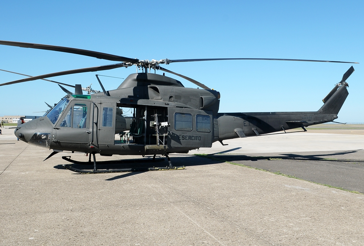 File:Agusta Bell_AB 412_Griffon,_Italy_ _Army_JP7374150 on Net Force