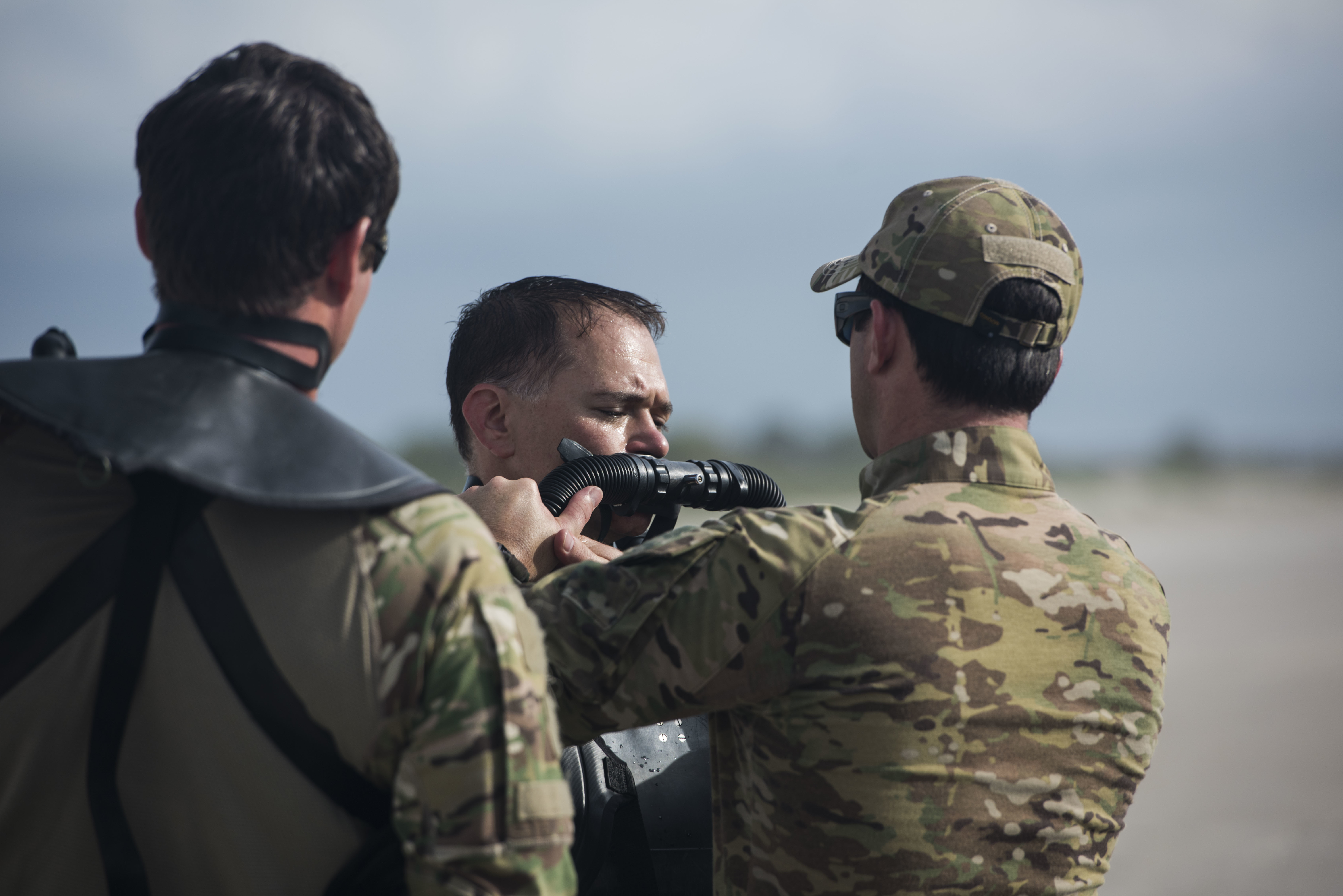 File:Army National Guard Special Forces combat divers 140915-A ...