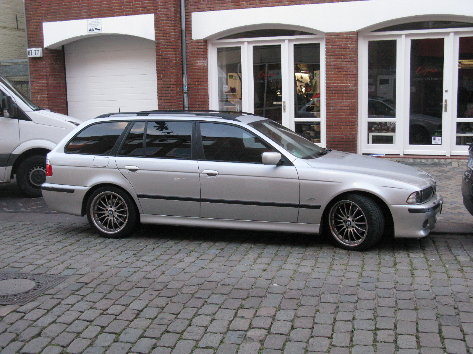 File Bmw 5 Series Touring M Sport E39 10859870016 Jpg Wikimedia Commons