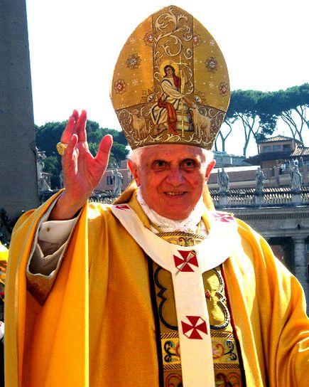Benedikt.XVI.Petersplatz.GuterHirte