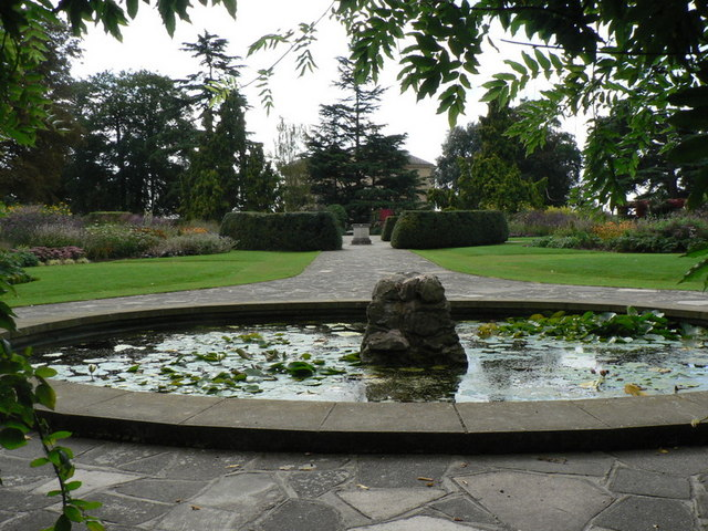 Bexley, fountain at Danson Park - geograph.org.uk - 972253