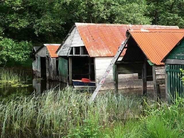 Boathouses, Loch Ard - geograph.org.uk - 61803