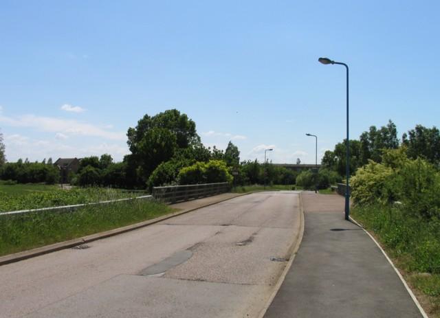 File:Broughton Road bridge - geograph.org.uk - 1692235.jpg