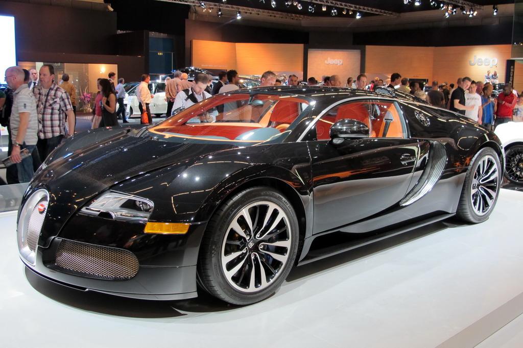 File:Bugatti Veyron 16.4 Coupé Sang Noir - Flickr - FaceMePLS.jpg ...