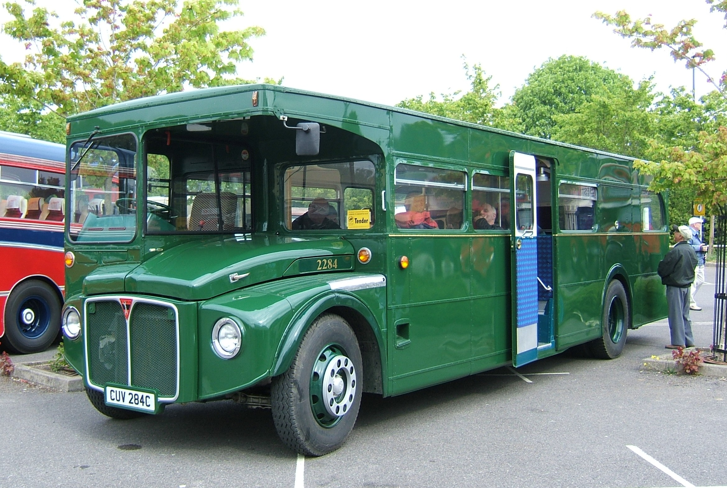 File:COVES mobile workshop 2284 (CUV 284C), ex Routemaster RML2284, 2007