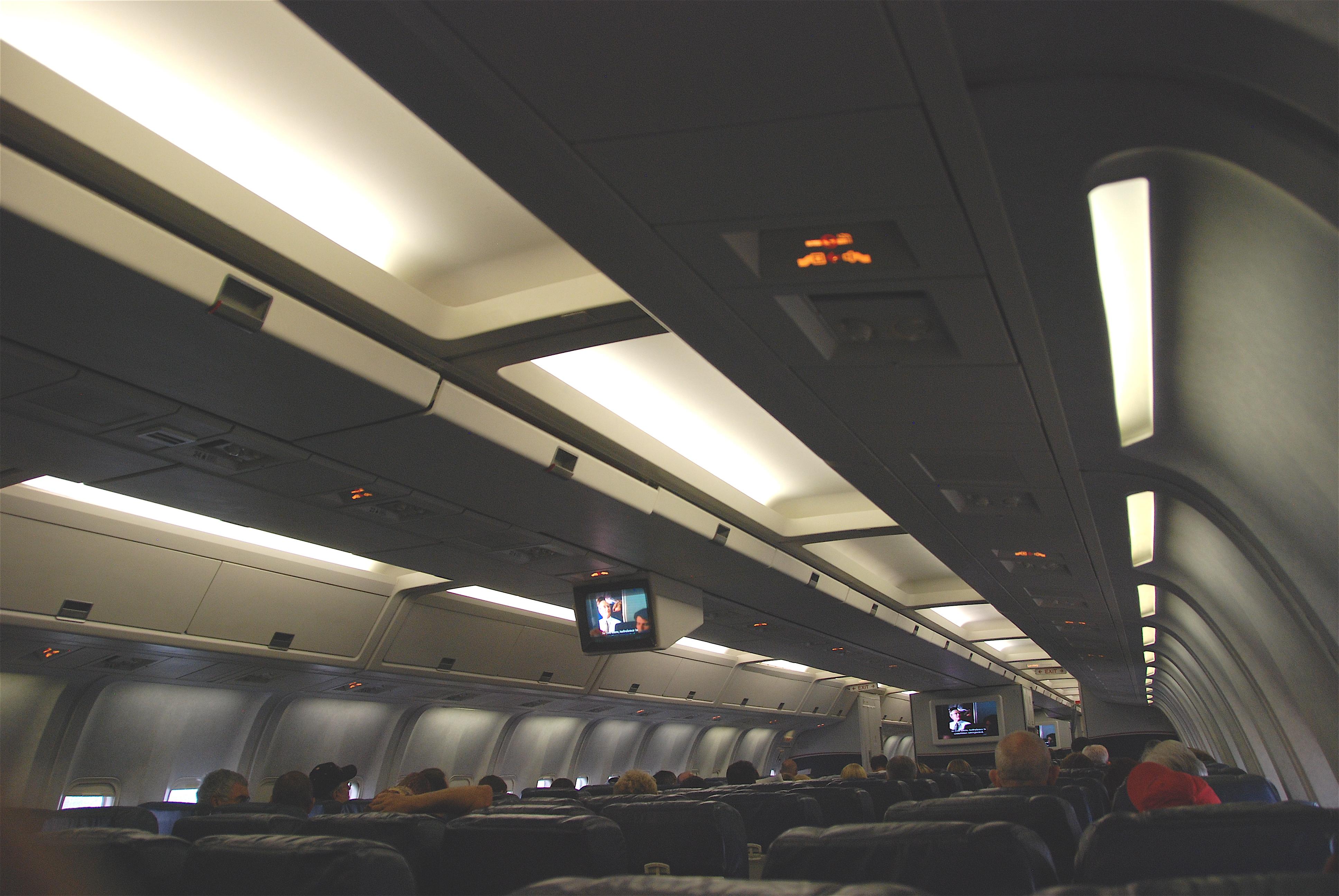 File Cabin Shot Of Us Airways Boeing 767 200 N252au