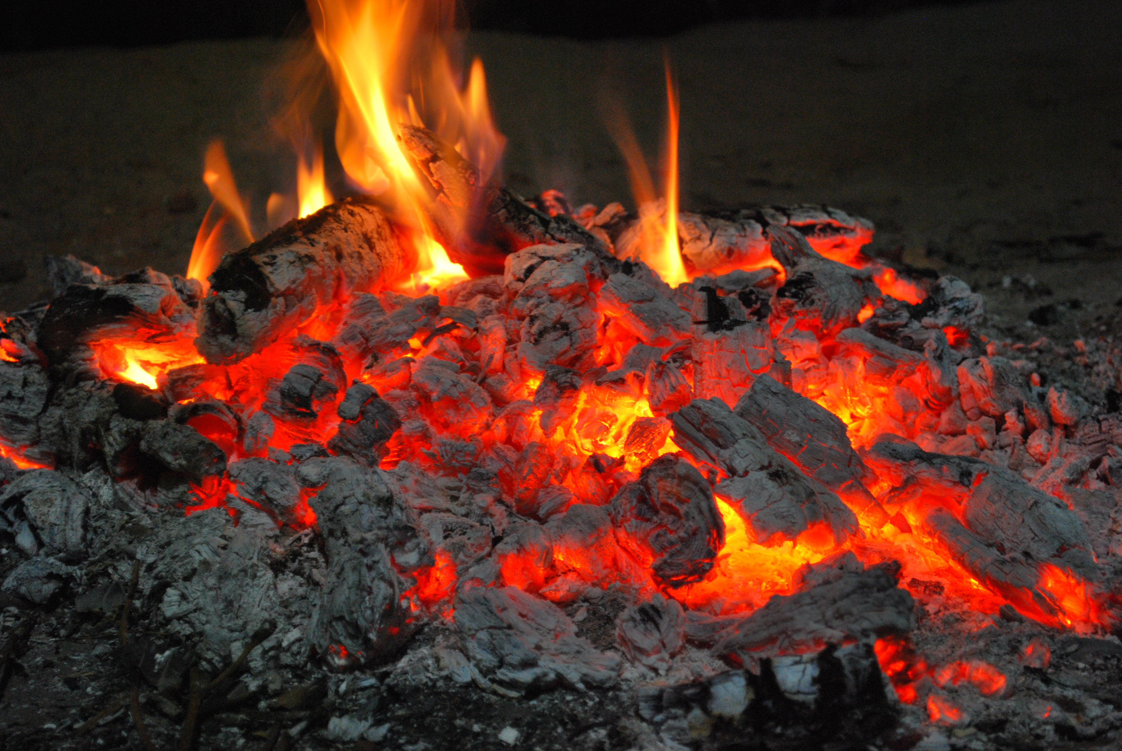 File Campfire 3 Jpg Wikimedia Commons