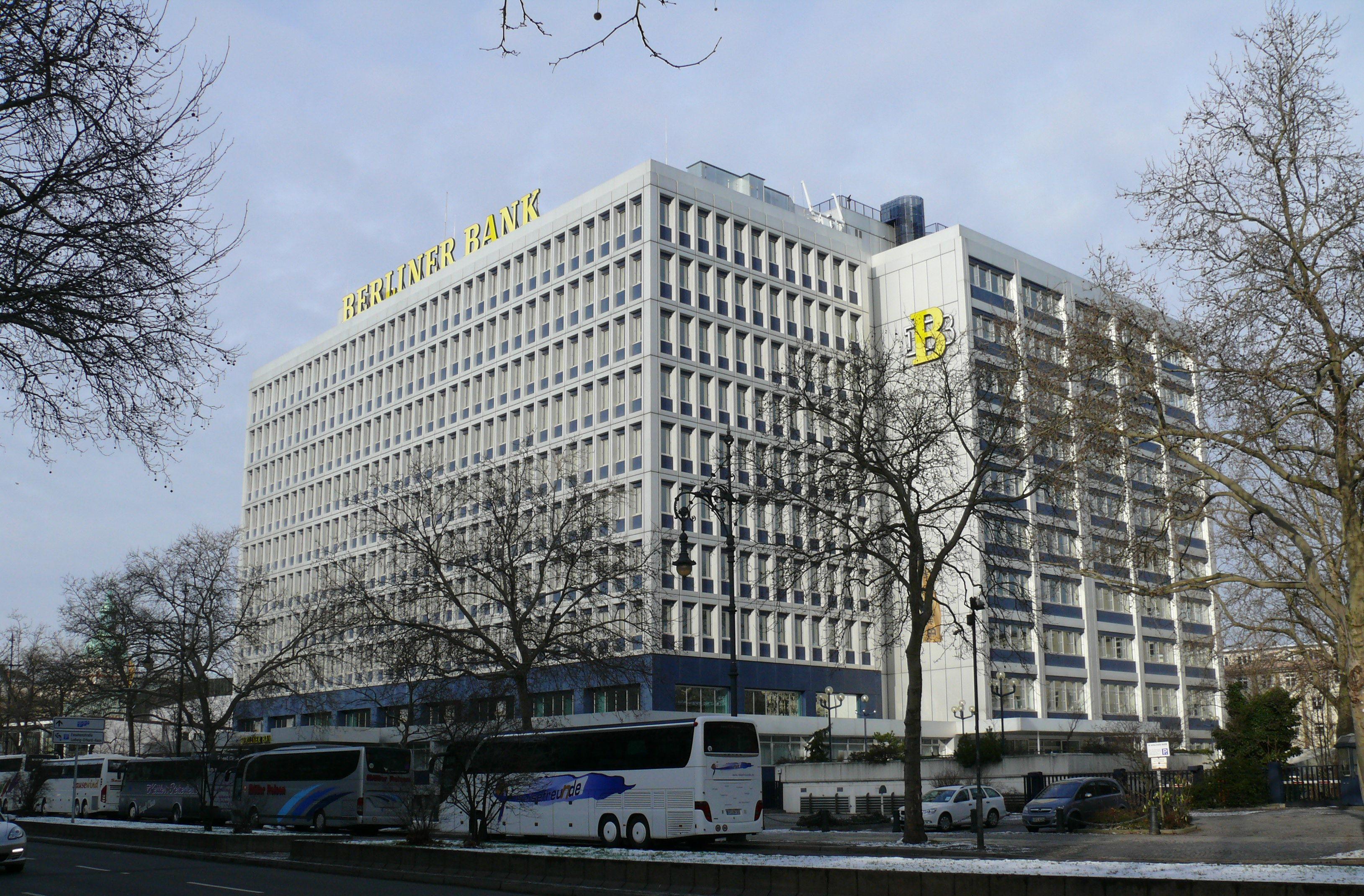 File:Charlottenburg Hardenbergstraße Berliner Bank-001.jpg ... on
