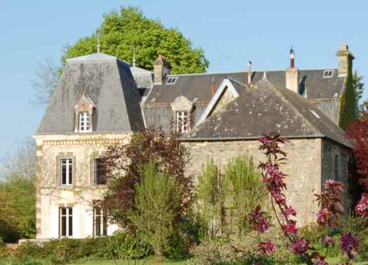 Chateau at La Caine.jpg