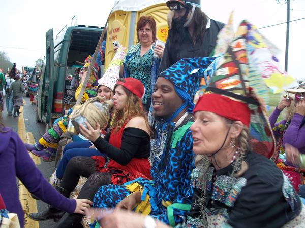 File:Courir de Mardi Gras Savoy, La wagon ride 2011.jpg