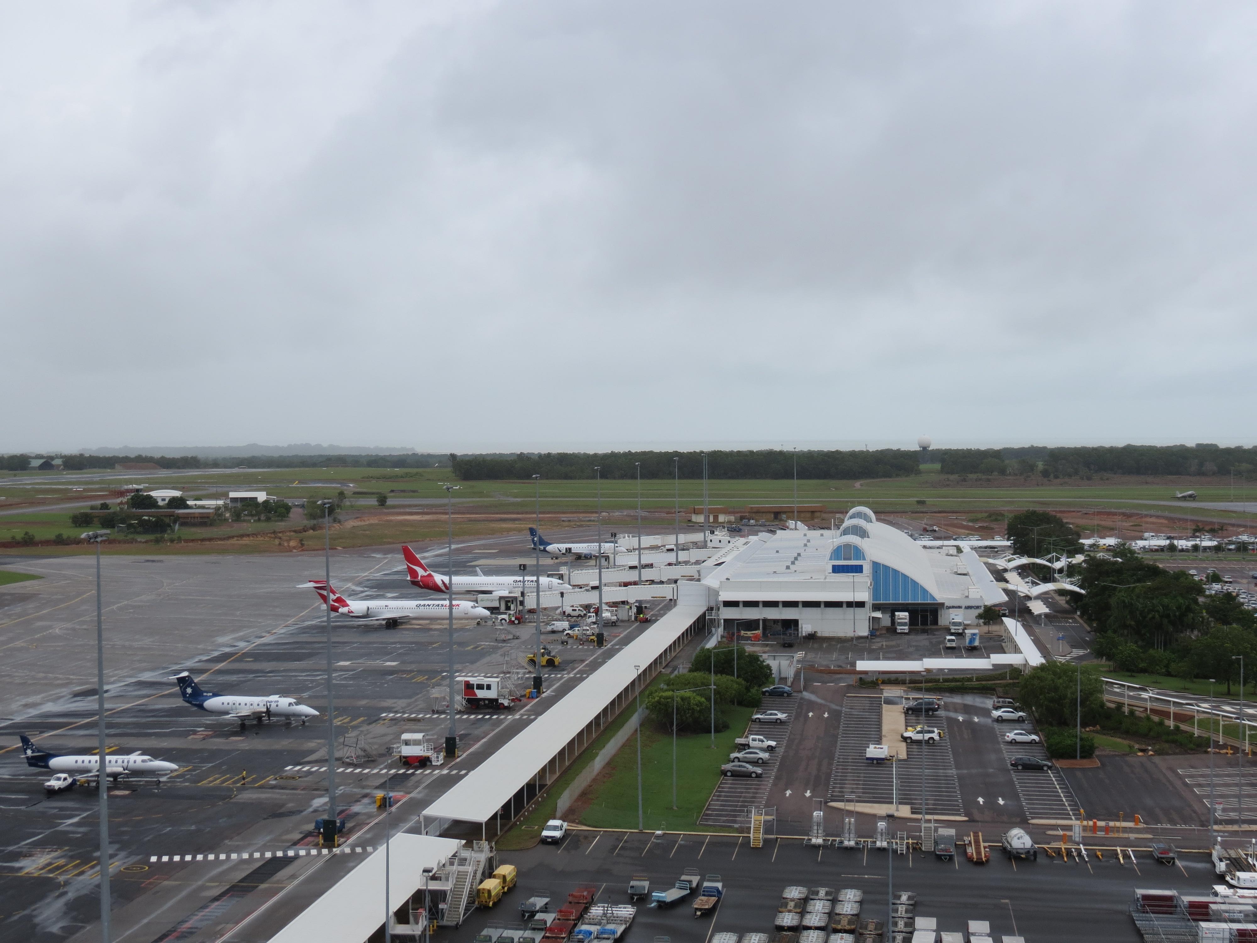 Description Darwin Airport Apron and Civil Terminal in March 2012.jpg