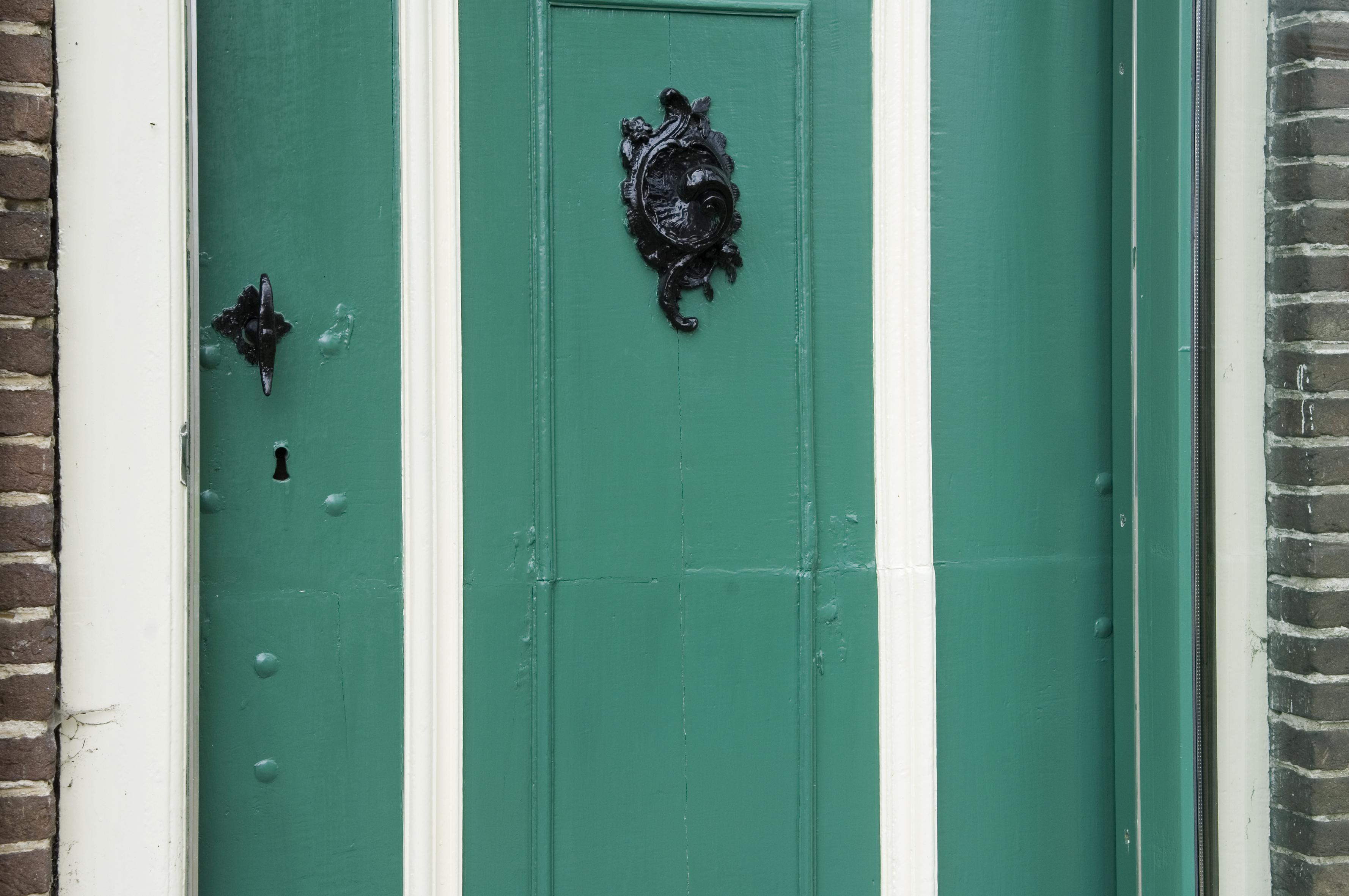 File detail voordeur in de stijl van lodewijk xv met bovenlicht gezien vanaf de buitenkant - Garderobe stijl van lodewijk xv ...