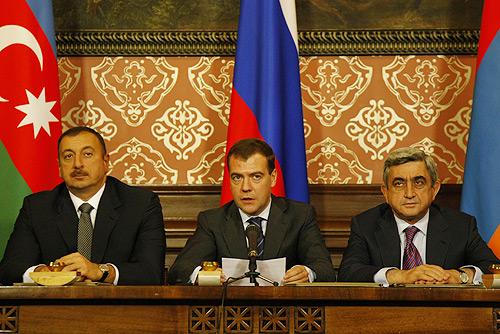 Azerbaycan ve Ermenistan Cumhurbaşkanları Rusya Federasyonu Başkanı D.Medvedev ile ilgili görsel sonucu