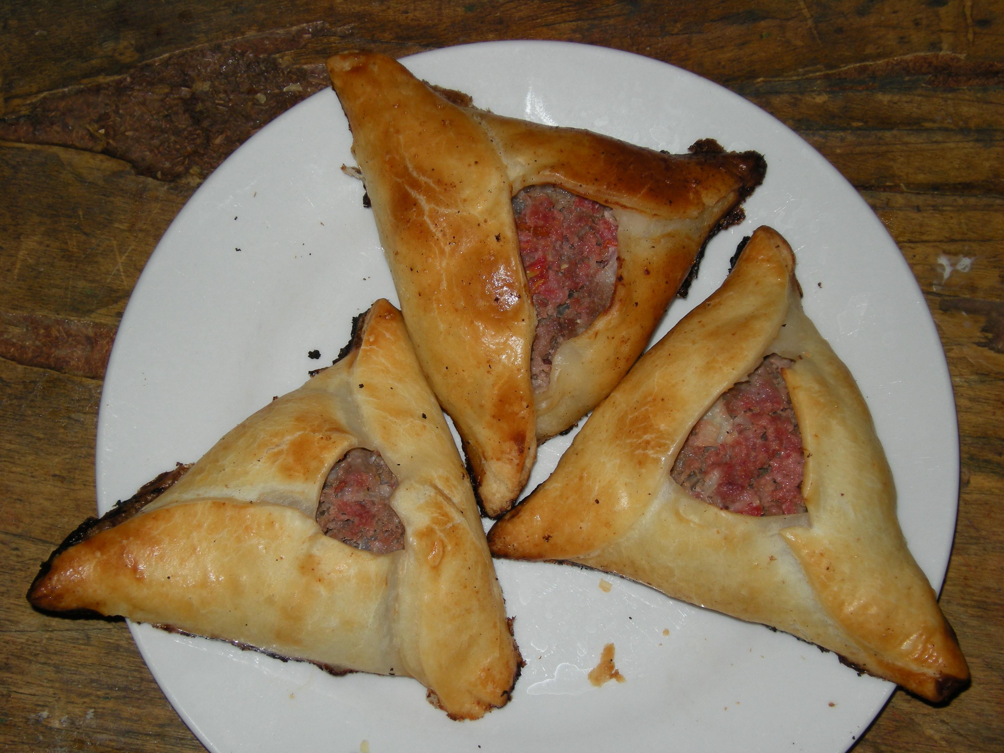 File:Empanadas argentinas llamadas árabes, similares a las ...