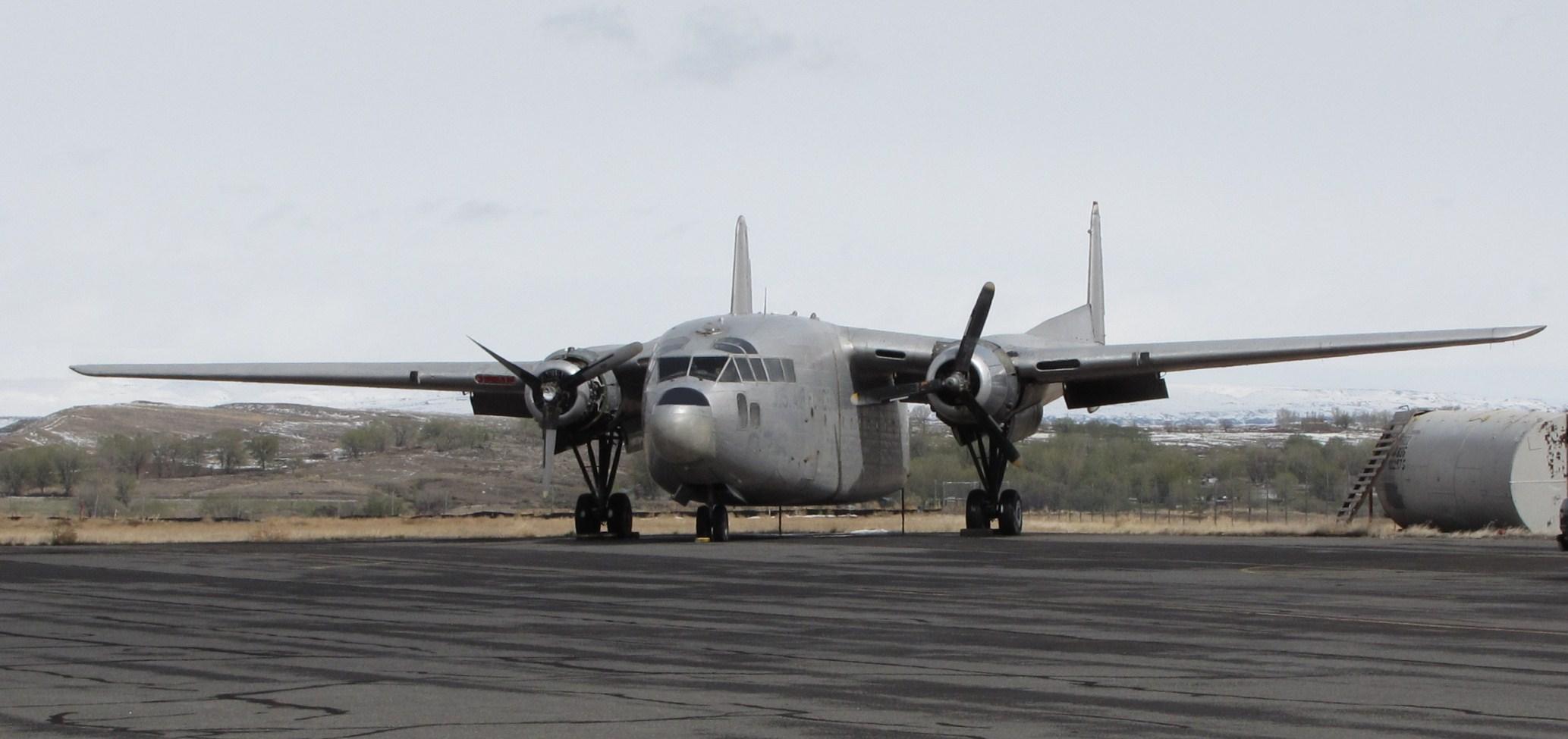 Description Fairchild C-119 Boxcar, Greybull Airport, Wyoming.jpg