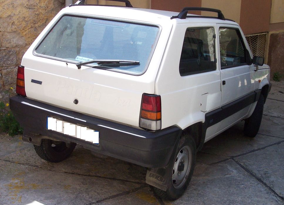 File:Fiat Panda I 4x4 white hr.jpg - Wikimedia Commons
