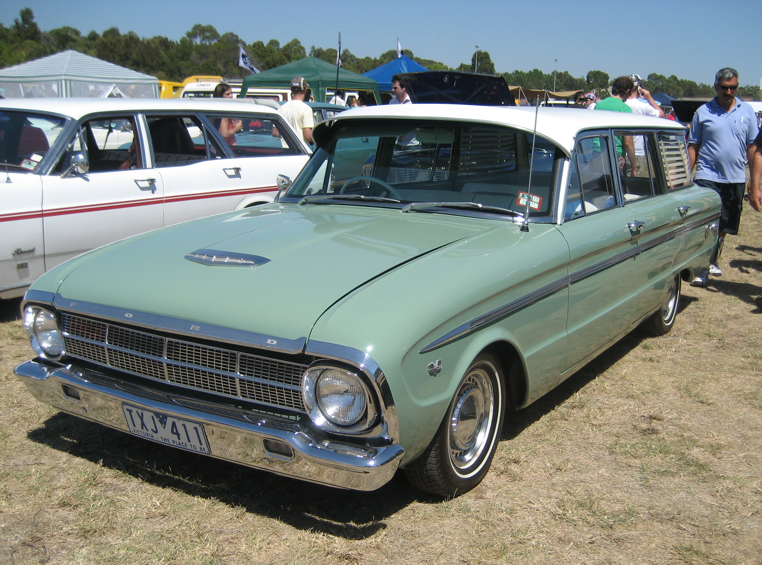 File:Ford Falcon XM Wagon jpg - Wikimedia Commons