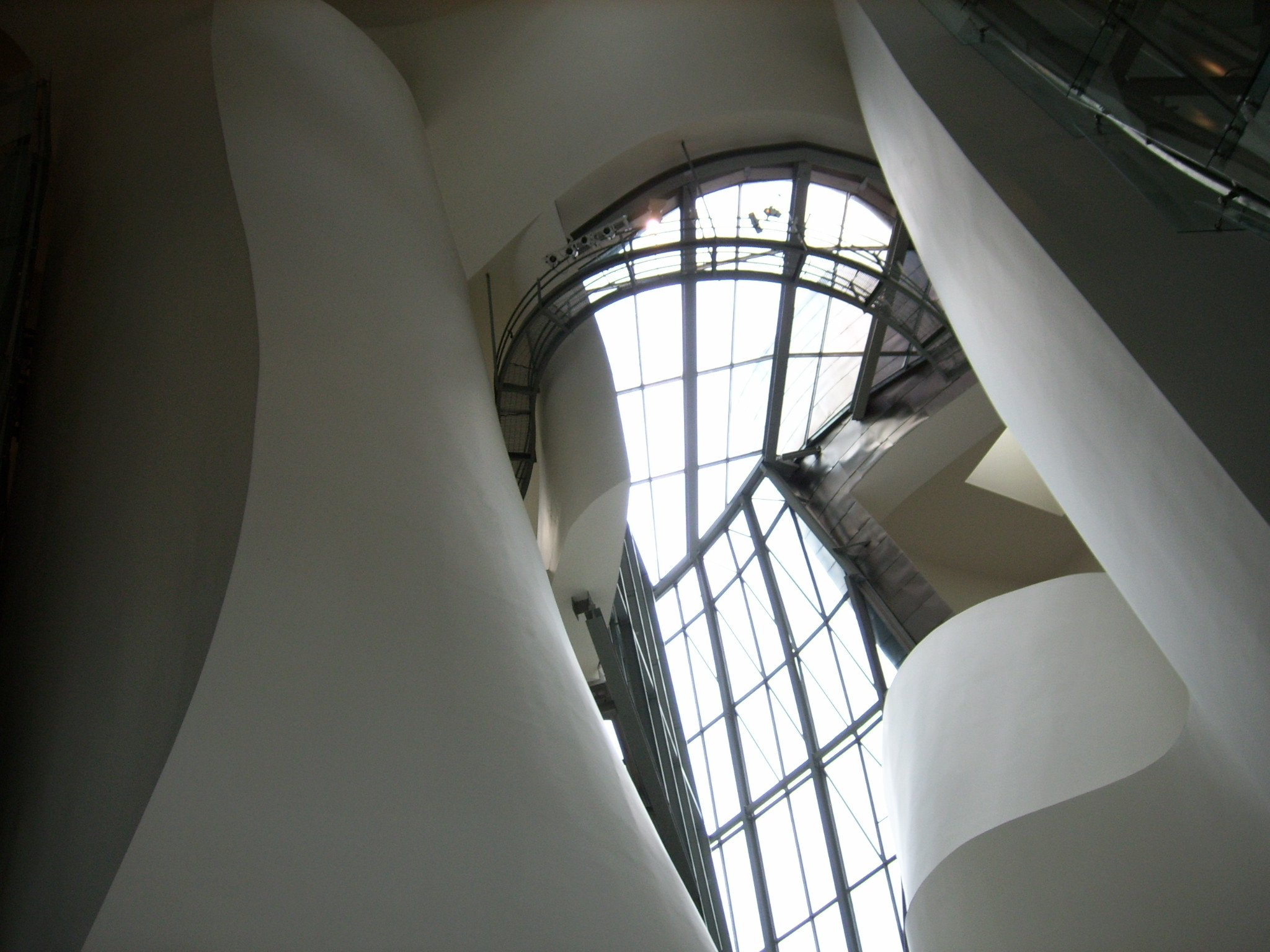 File:Guggenheim museum bilbau inside.jpg - Wikimedia Commons  Guggenheim Inside