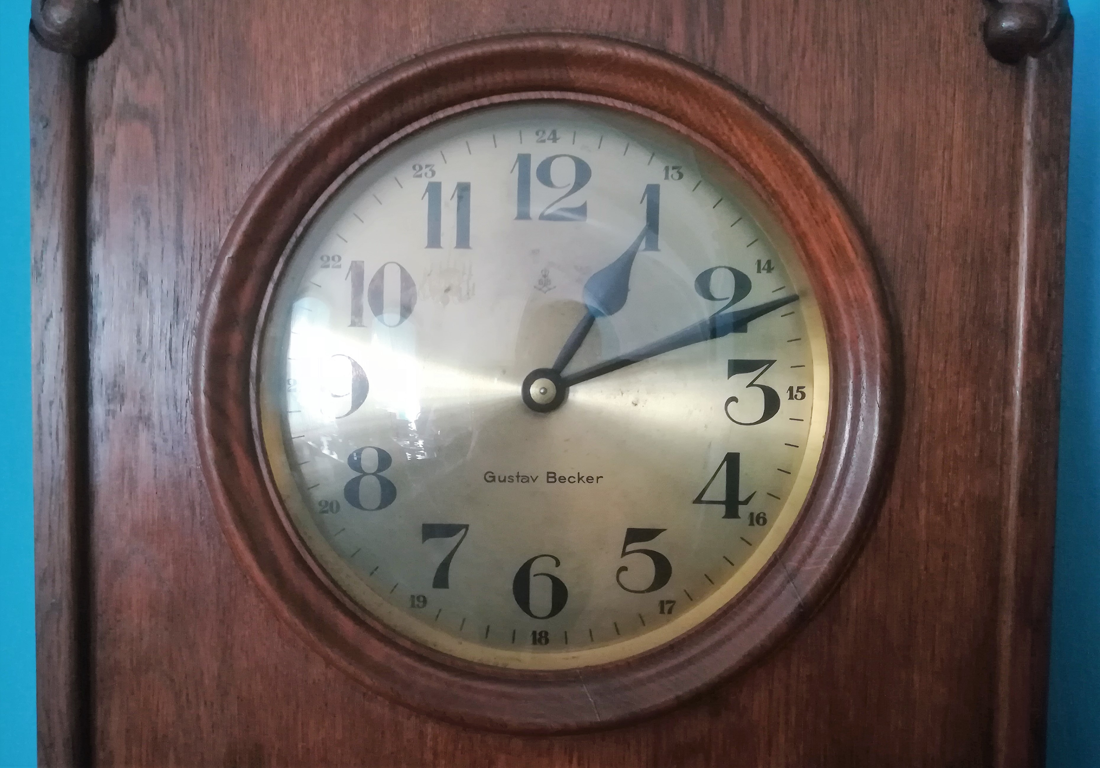 File:Gustav Becker clock in UM Poznan (1) jpg - Wikimedia Commons
