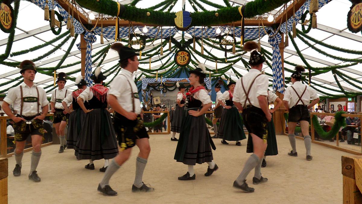 Oktoberfest, Dancing, Men, Women, Tradition, Costume, Attire