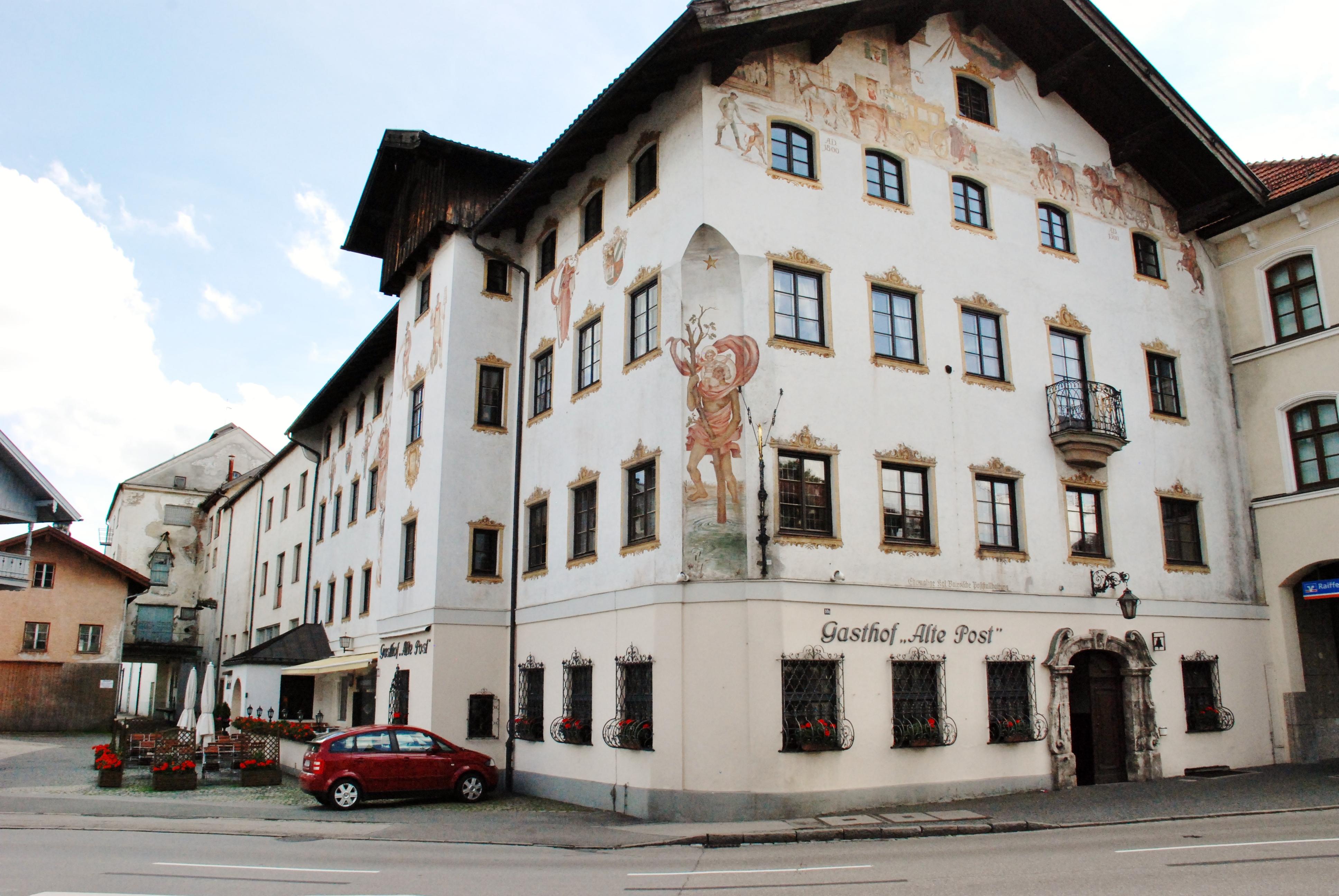 Holzkchen Modern Die Lichtknstlerin Holzkirchen Hotel Konrad ...