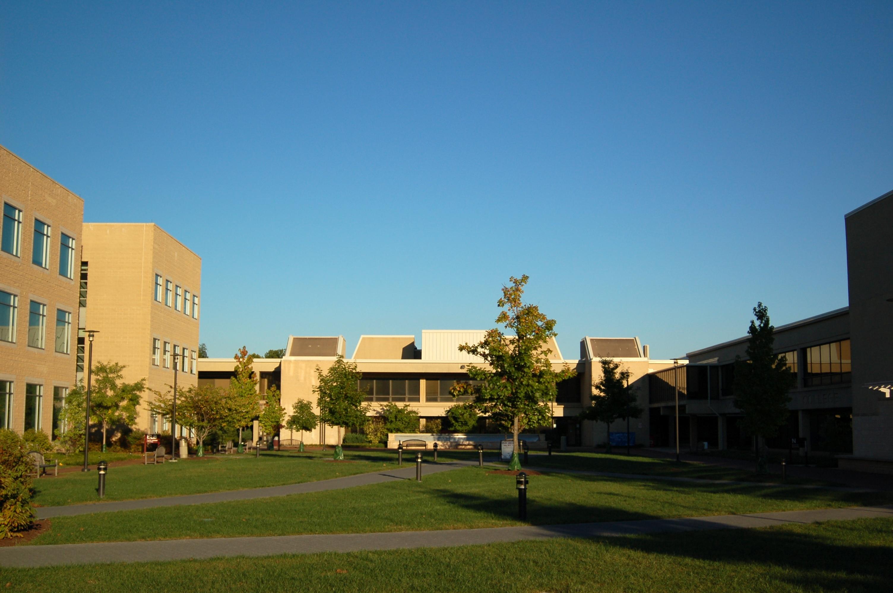 College Community 104