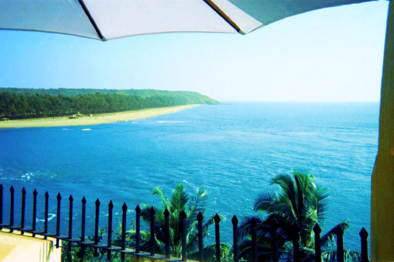 India Goa Coastline Tiracol.jpg