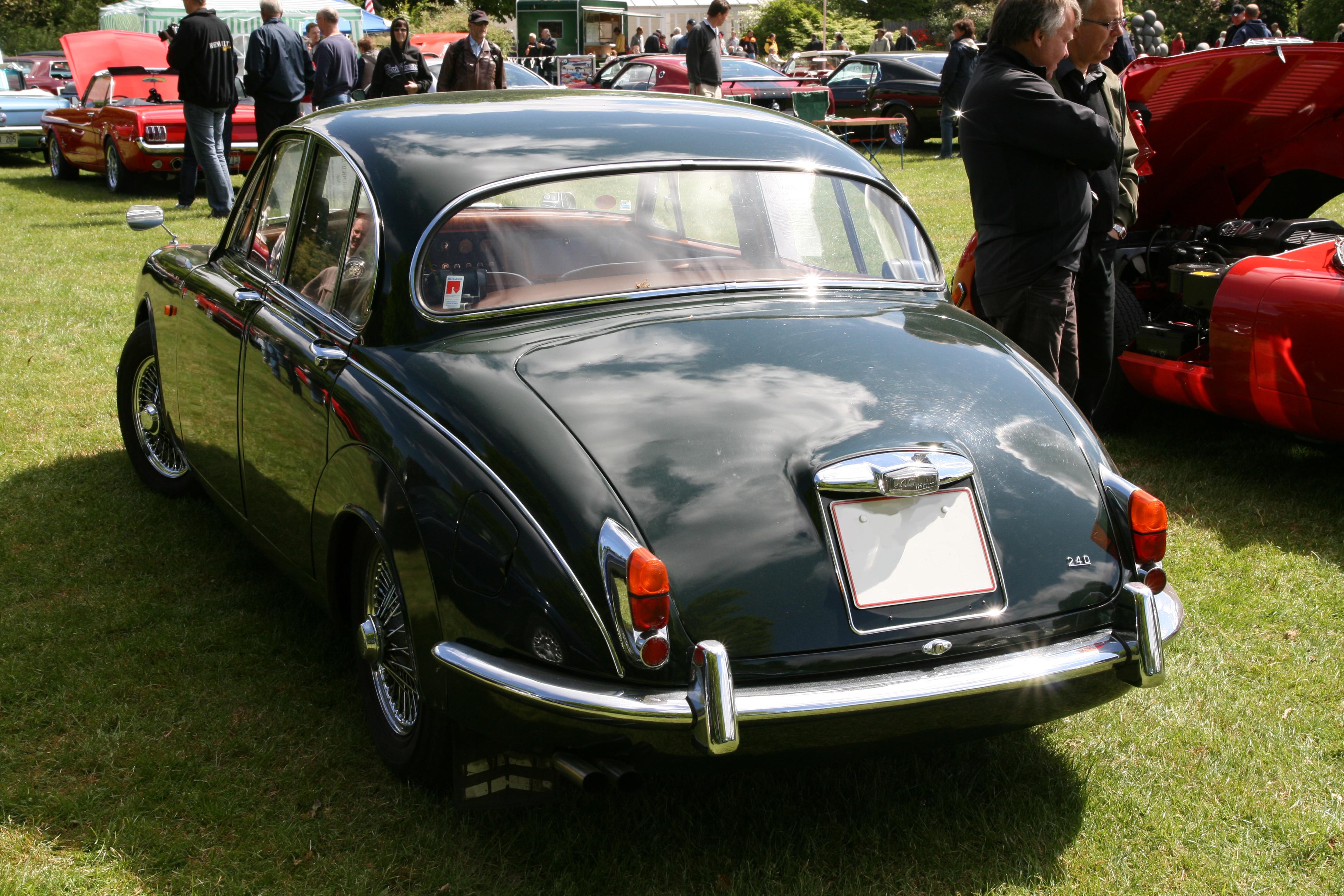 File:Jaguar 240 Mark II (1968) rear.jpg - Wikimedia Commons