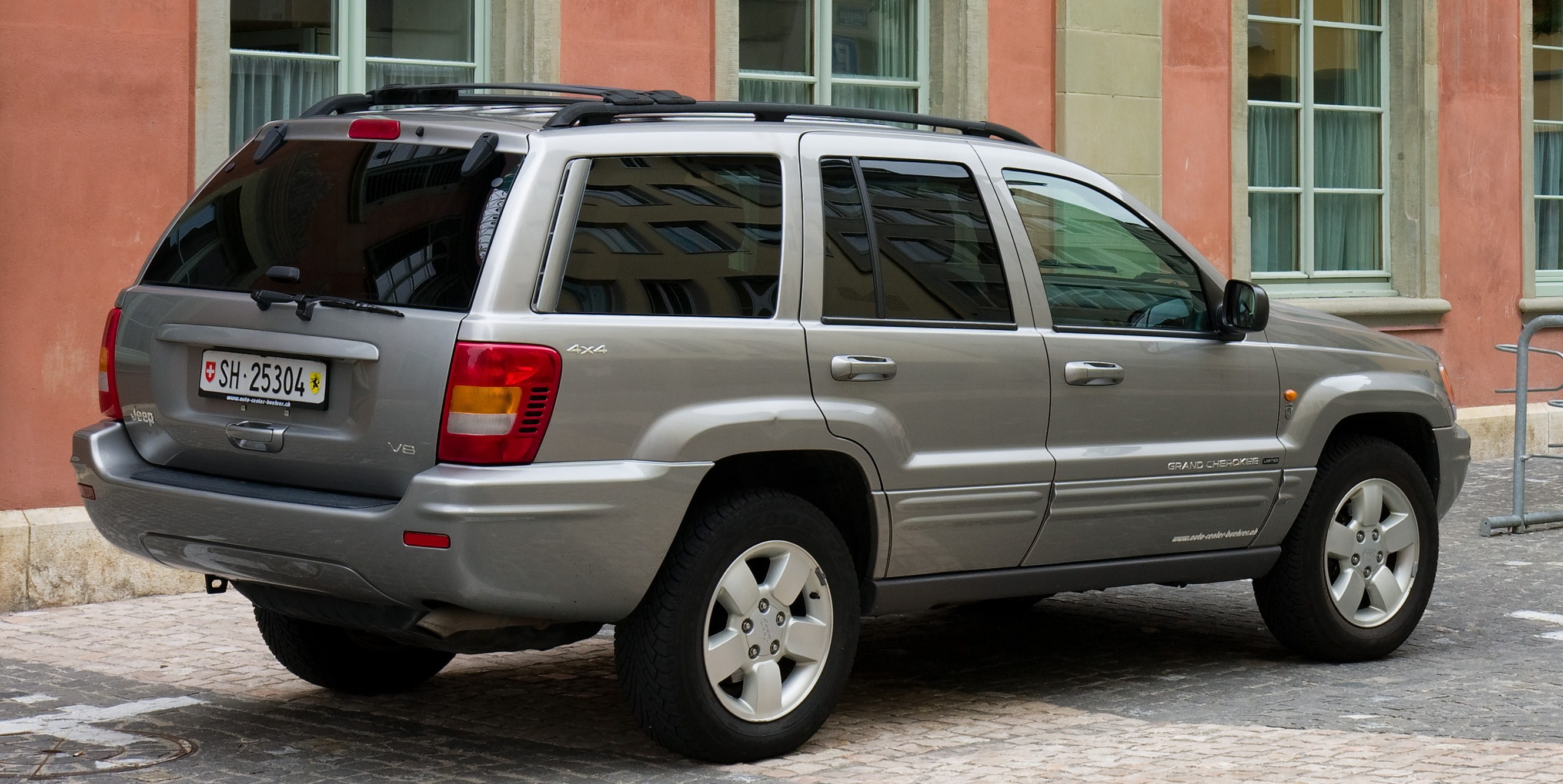 file:jeep grand cherokee rear - wikimedia commons