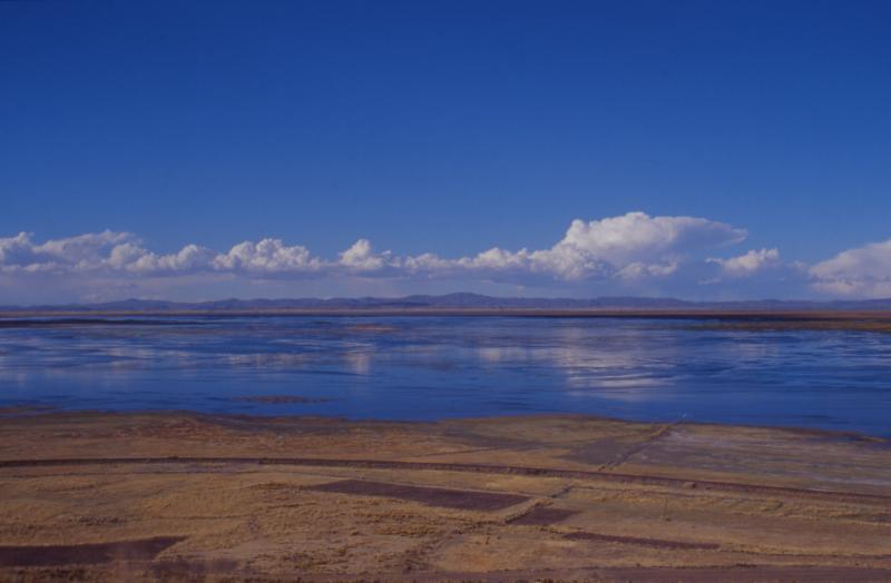 Lake Titicaca by http://commons.wikimedia.org/wiki/User:Mschlindwein