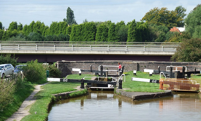 Lock No 66, Trent and Mersey Canal, Wheelock, Cheshire - geograph.org.uk - 577556