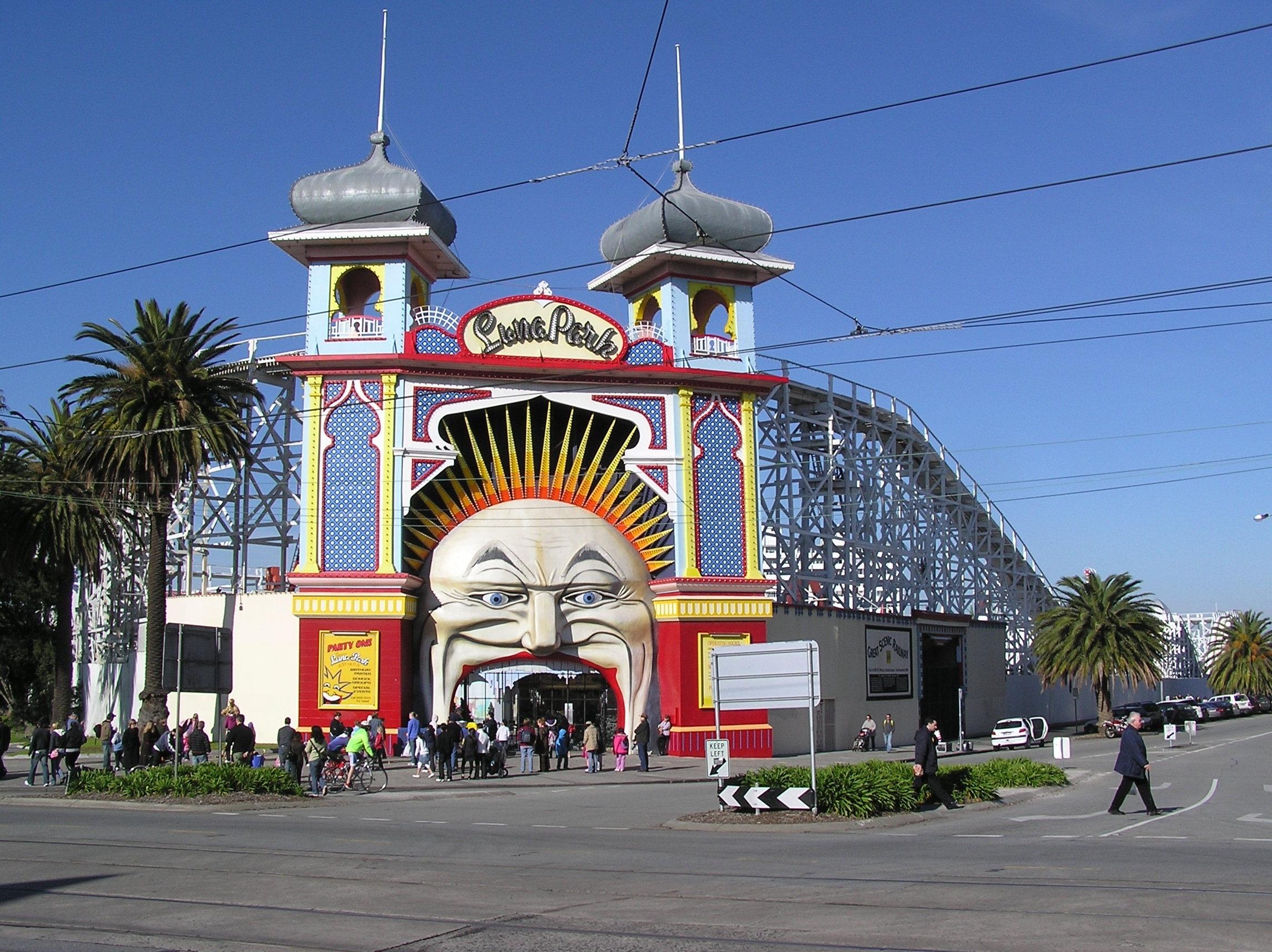 Melbourne_Luna_Park.jpg