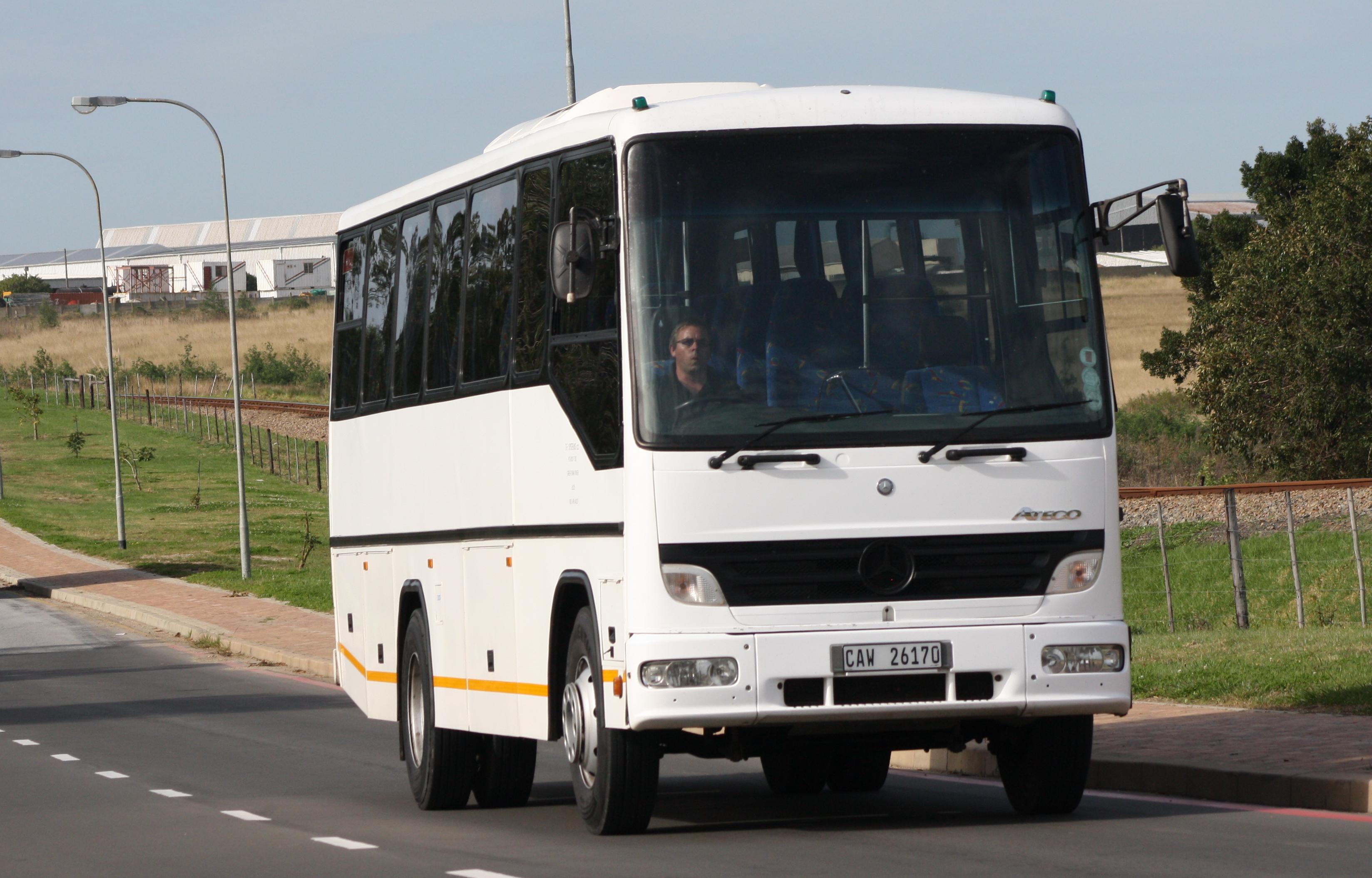 Mercedes atego bus images for Mercedes benz busses