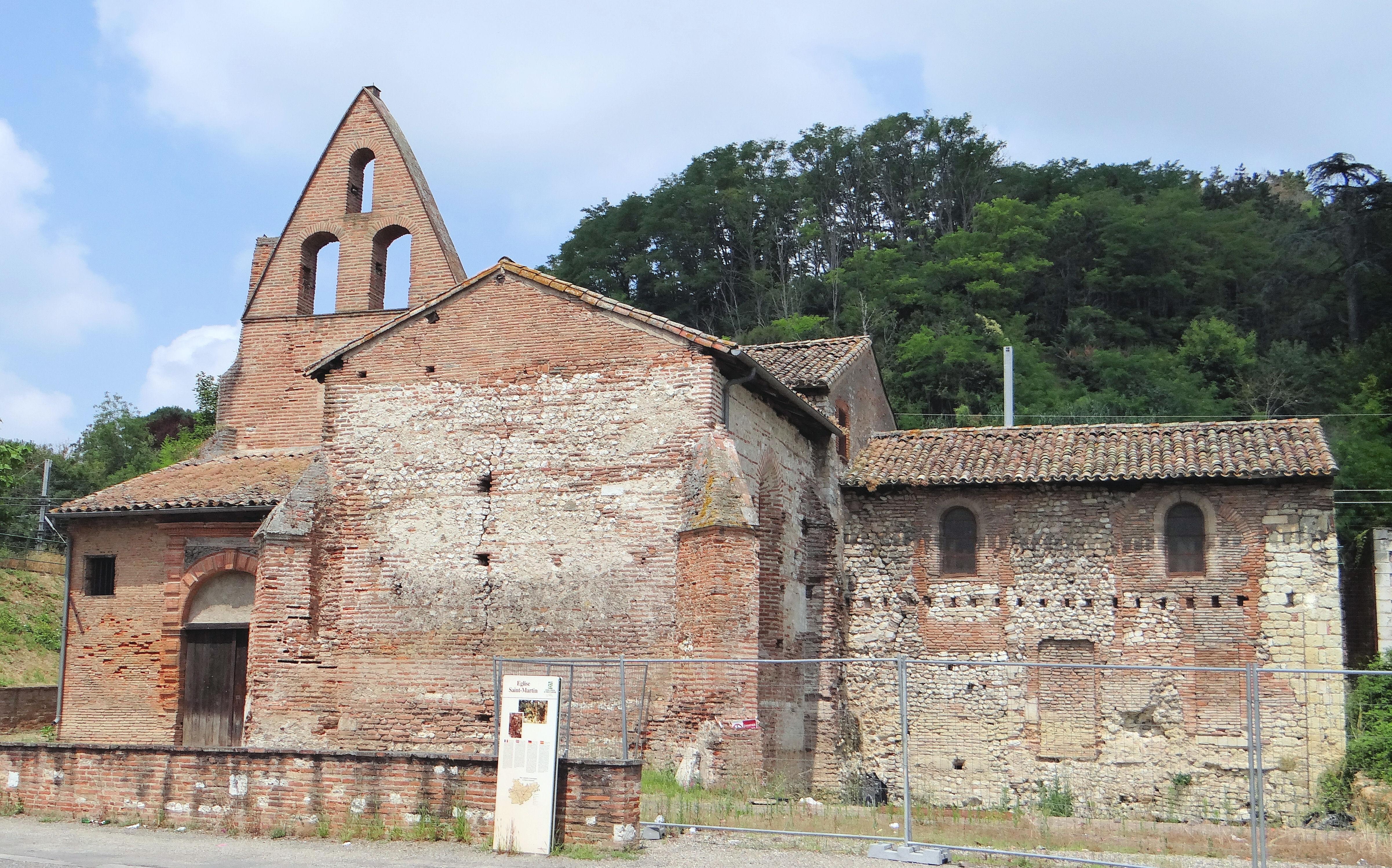 église Saint Martin de Moissac sur Wikipedia : https://fr.wikipedia.org/wiki/%C3%89glise_Saint-Martin_de_Moissac